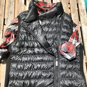 Puffy Vest w. Diagonal Zip